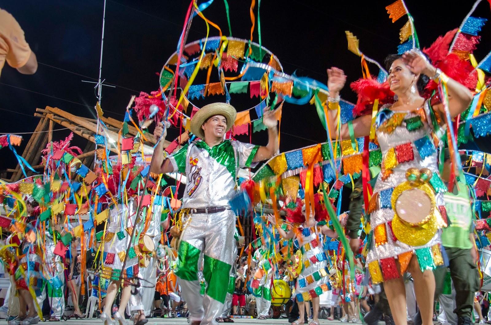 Resultado de imagen para carnaval en santa cruz bolivia
